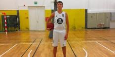 FOTO DOKAZ: Mladi slovenski košarkar, ki pri 16
